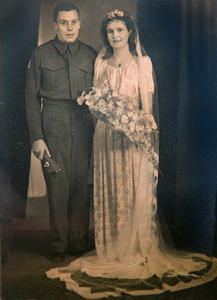 Newly Weds Noel and Helga WW2